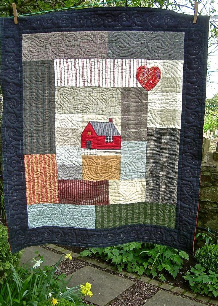 Little Welsh Quilts and other Traditions: Little Welsh House Quilt