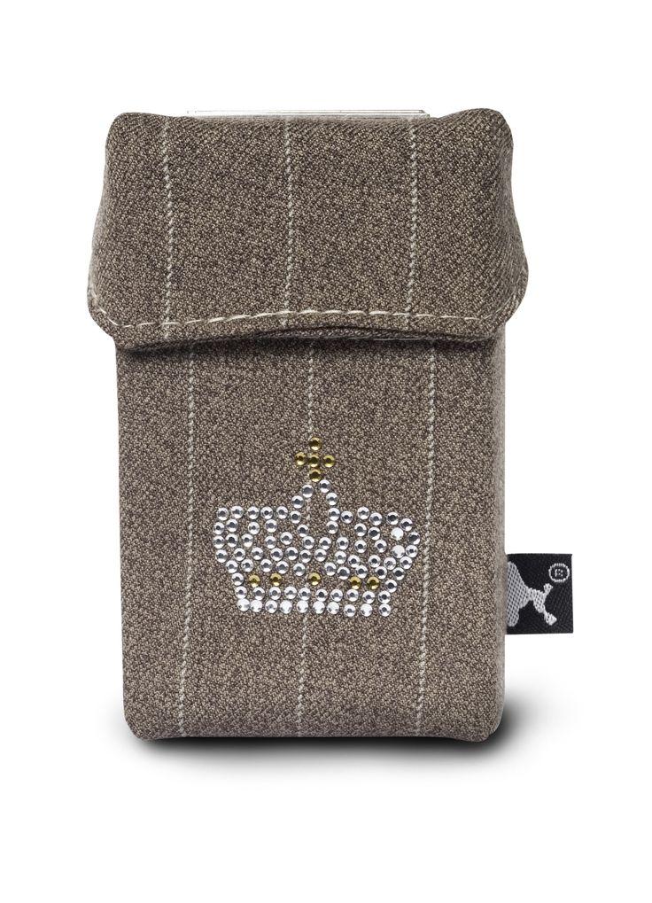 Das Smoke Shirt Style Charlotte de France ideal um unansehnliche Zigarettenpackungen zu verkleiden.