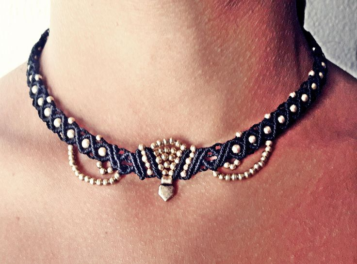 Collar negro de macrame.  Black macrame necklace. Choker, gargantilla de Riquinhamacrame en Etsy
