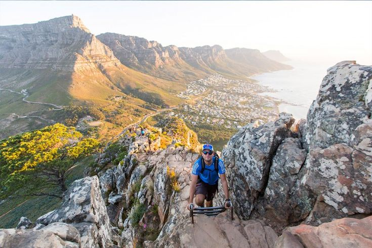 Lion's Head is undoubtedly the best spot for a sundowner & worth every step of the climb of the hike: