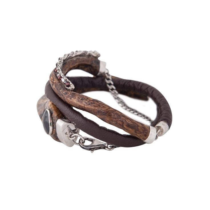 Black coral bracelet. Sterling silver. Leather. Black garnet. By Donna Yolka. #jewelry #jewellery #uli