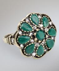 Bronzszínű virág gyűrű, zöld kövekkel és fehér kristályokkal, 19 mm