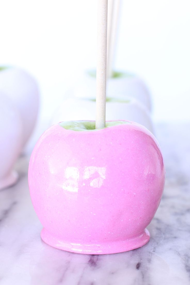 Paint the town pink! Pink Candy Apples ~ Best Friends for Frosting