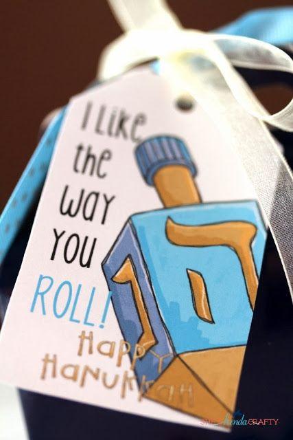 She's {kinda} Crafty: Free Happy Hanukkah Gift Tag