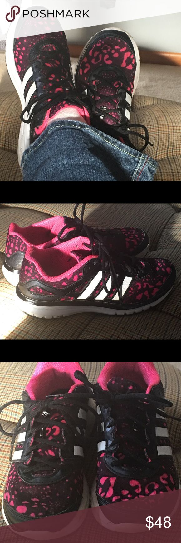 Adidas Pink/Black size 9 Ladies shoes Super cute adidas spotted shoes. Gently used. Fast shipping. Adidas Shoes Athletic Shoes