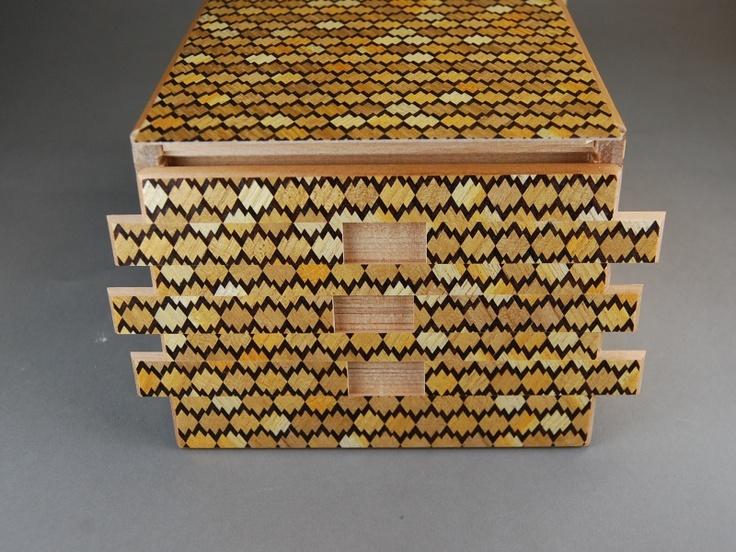 (Yosegi Japanese Secret Puzzle Box )