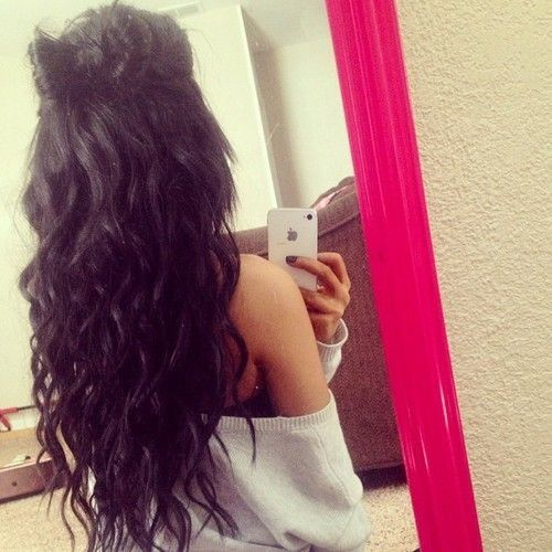 Long loose waves with bow.