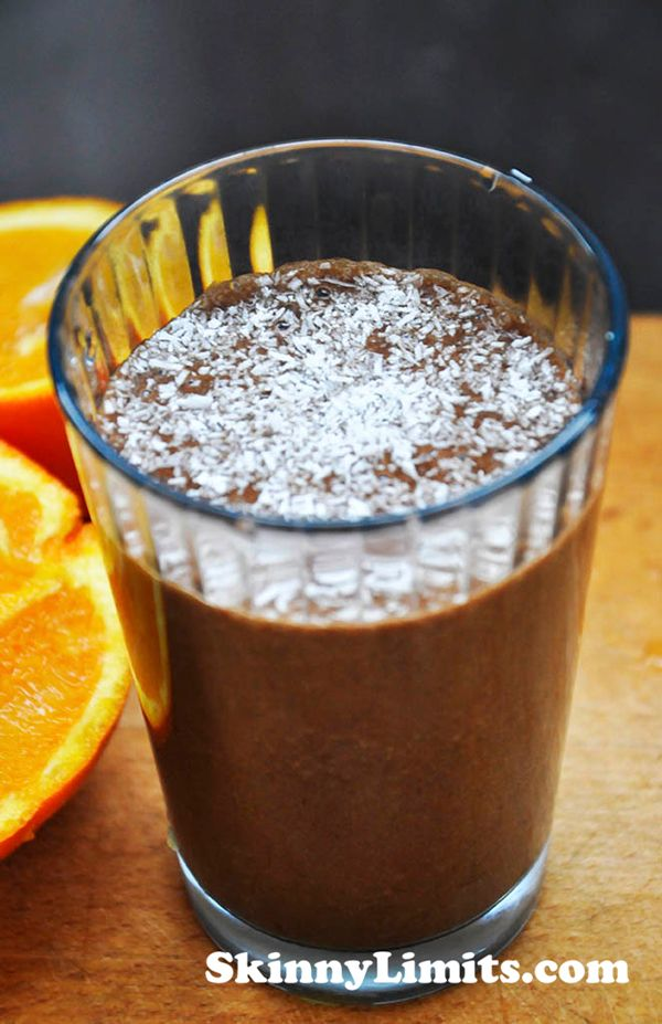 Raw Chocolate Smoothie - I'm sure this raw chocolate smoothie will soon become your favorite too! The chocolate taste is enhanced by the sweet orange juice, delicious!