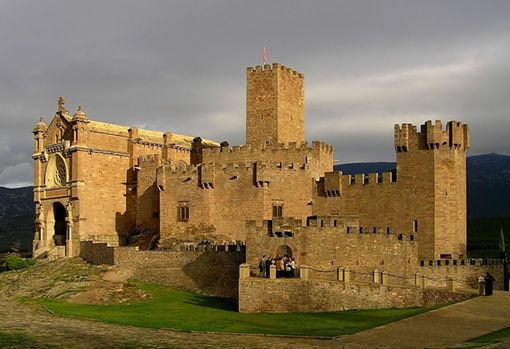 CASTLES OF SPAIN - Castle of Javier, Navarra (s. X).The castle and village of Xavier were won by Sancho VII of Navarre in 1223. An Aragonese noble got a loan of 9,000 sols from the King of Navarre, with the latter receiving Xavier as a warranty. The Aragonese noble could not afford to pay in due time, so the stronghold became property of Sancho. It was not the first time nor the last, since Sancho VII was one of the major lenders to the Crown of Aragon.
