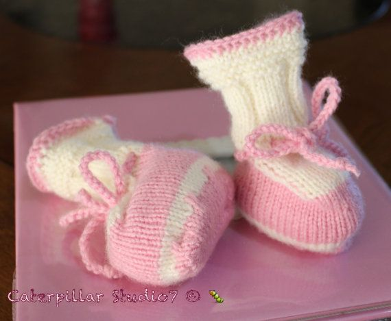 Hand Knitted Baby Girl Booties infant 0-3m by CaterpillarStudio7