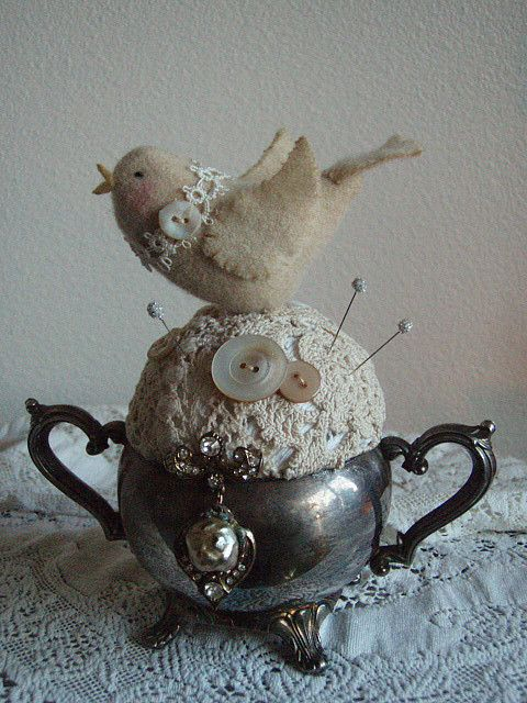 bird pincushion