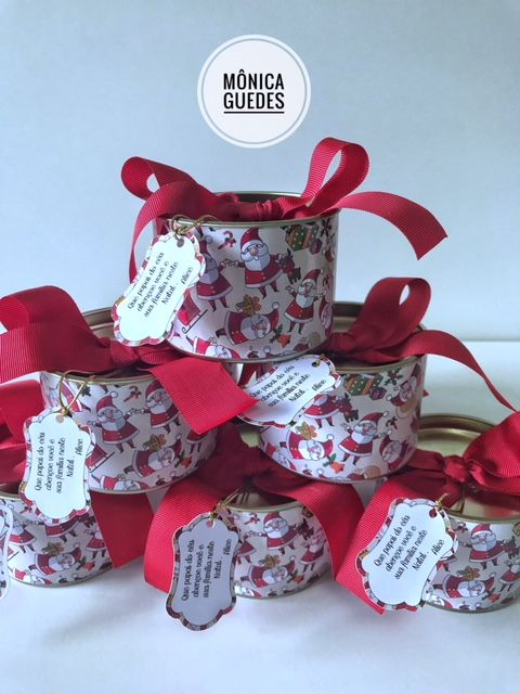 Latinhas personalizadas para mimos de Natal