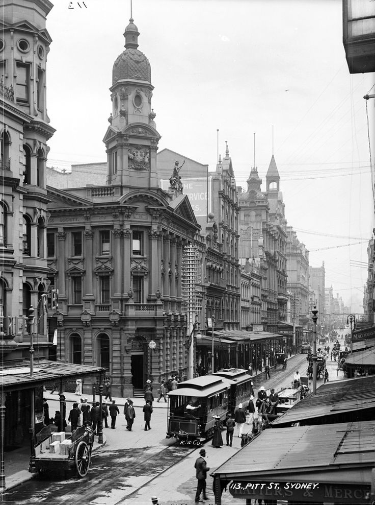 Electric tram Pitt Street, Sydney c1904-17