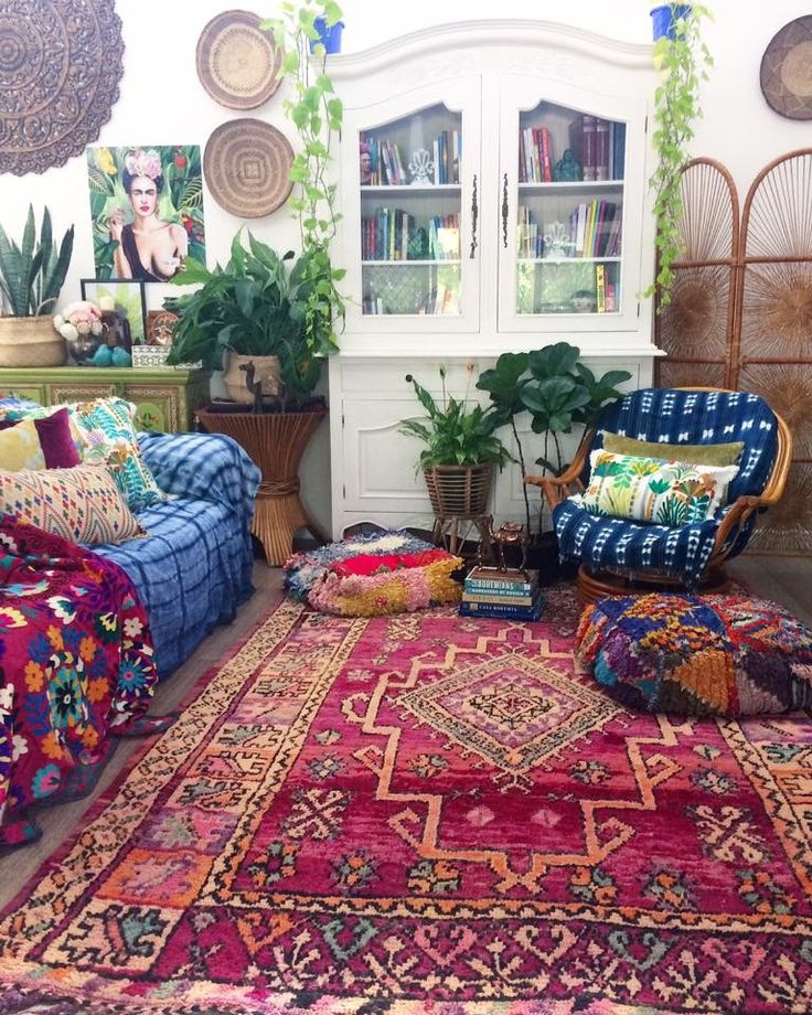 Beautiful bohemian Sundays ✌☕️ Moroccan poufs, gorgeous vintage boujaad rug & our beautiful vintage suzani allllllllllllll ready to ship! www.thewishingtrees.com or DM/PM for items not listed yet ❤