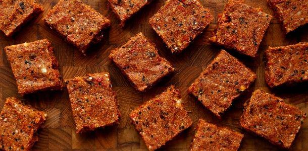 Bakaliowe batoniki musli bez cukru - Facet i Kuchnia
