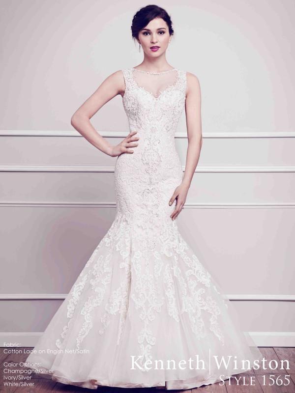 Csipke-csoda, sellő fazonnal párosítva, az igazi dívák esküvői ruhája. #kennethwinston #weddingdress #eskuvoiruha #csipke
