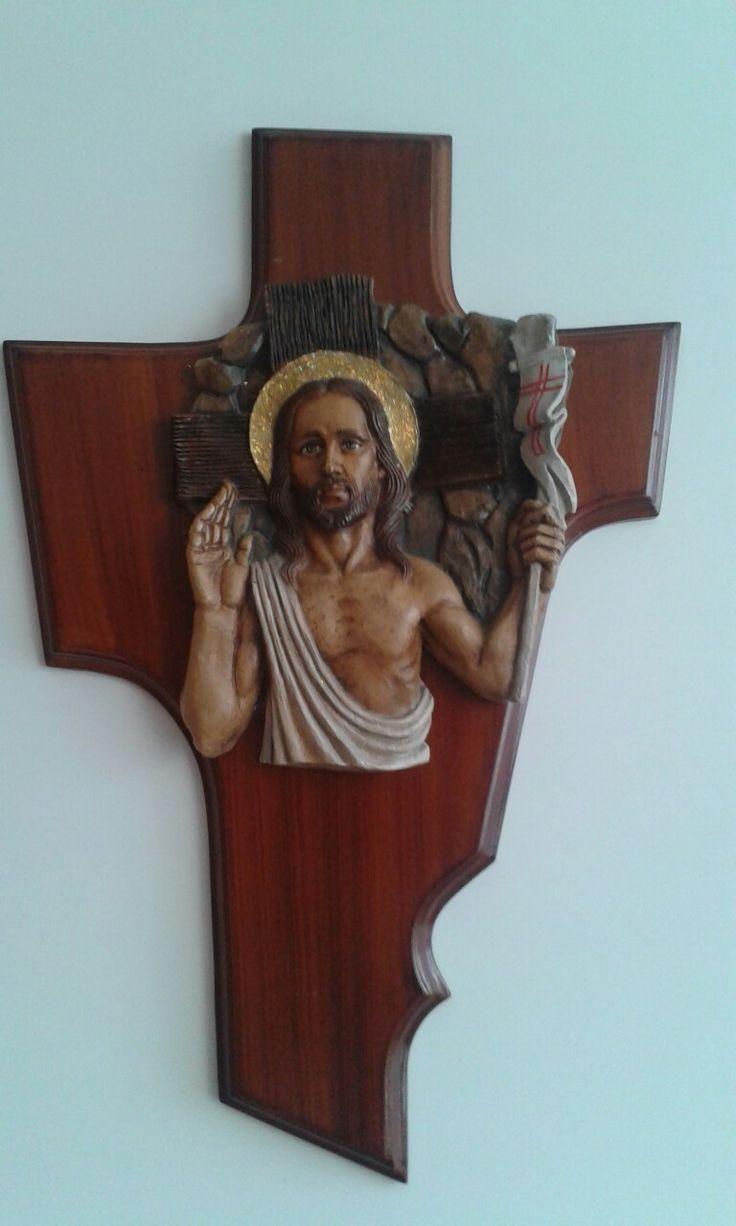 Crucifijo de la parroquia de La Resurrección.