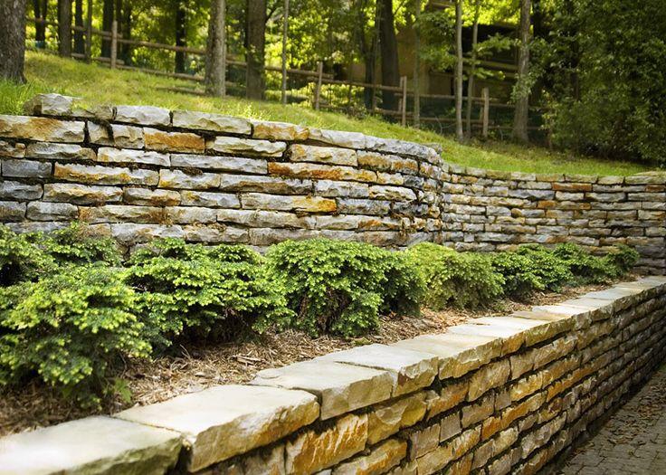 Aménagement paysager résidentiel : «Pierre par pierre» et «33 pieds arqués»