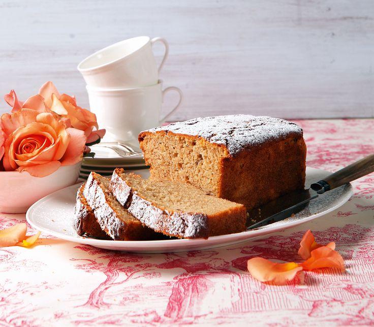 Durch die frischen Früchte und den vergorenen Apfelsaft wird dieser Cake schön feucht und schwer und bleibt dadurch lange frisch.
