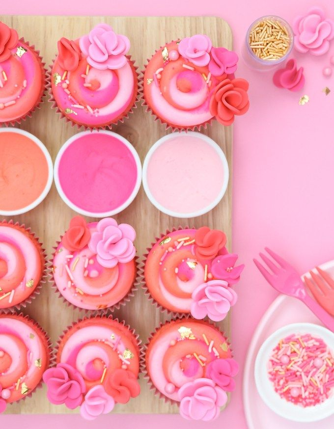 These absolutely beautiful Pink Buttercream Swirl Cupcakes are so easy to make you won't even believe it! Full tutorial included.