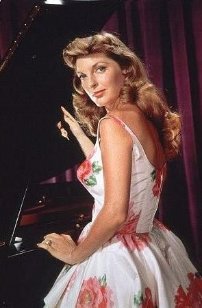 Julie London has one of the best voices ever!