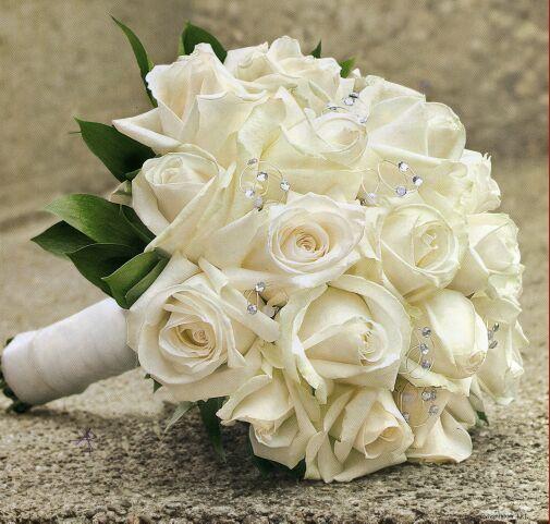 Wedding Bouquet ASI ES EL QUE SUYAPA LE GUSTA CON LOS CRISTALES EN EL CENTRO DE CADA ROSA Y YA LOS TENEMOS.