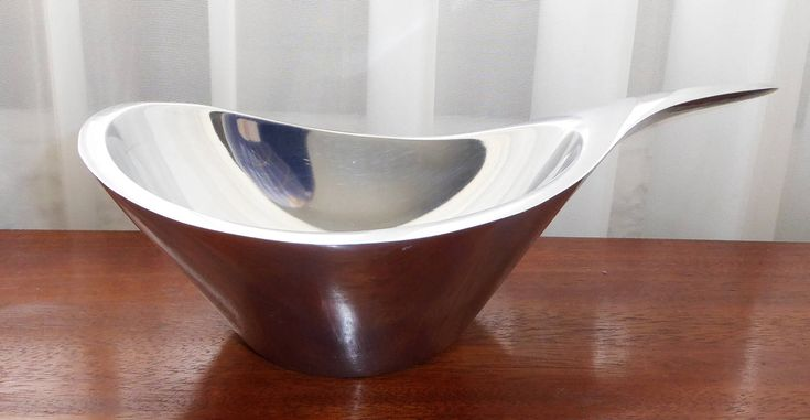 Nambe W568 W 568 Butterfly Holloware Armetale  Metal Alloy Mid century Modern Gravy Boat Sauce Guacamole Dip Serving Bowl Dish w/ Handle