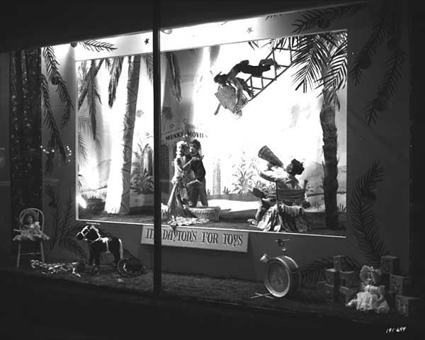 Christmas window, Dayton's Department Store, Minneapolis, 1949. Photo: Norton & Peel. © Minnesota Historical Society. All rights reserved.