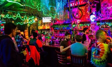 Guide to San Francisco Gay clubs, shows, bars