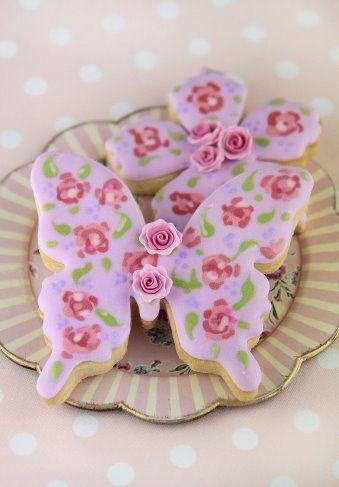 ~ Loving this idea toooo much for a princess tea party birthday!!! <3