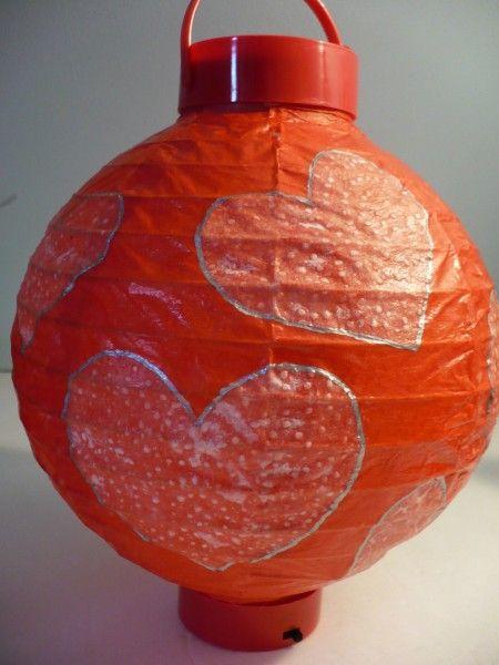 Craft Tutorial: Embellish a paper lantern with paper towels: Roundup Irons, Paper Lanterns, Craft Tutorials, Crafts Tutorials, Crafts Week, Mine Roundup, Embellishments Paper, Paper Towels, Irons Crafts