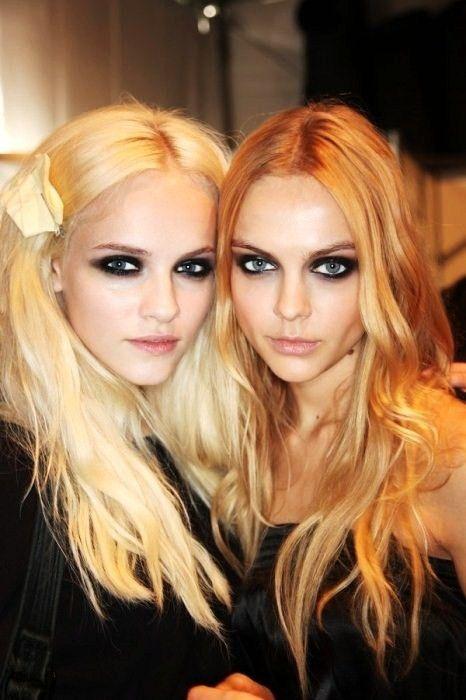 love the eyes: Strawberries Blondes, Hair Colors, Messy Hair, Eye Makeup, The Center Lapina, Dramatic Eye, Dark Eye, Smoky Eye, Smokey Eye
