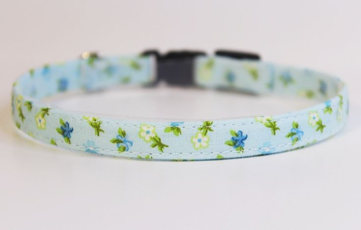 Beautiful handmade light blue floral cat collar by PurrsonalCreations on Etsy
