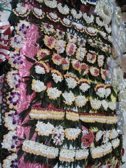 Tongan lei's, beautifully crafted using a variety of flowers (: