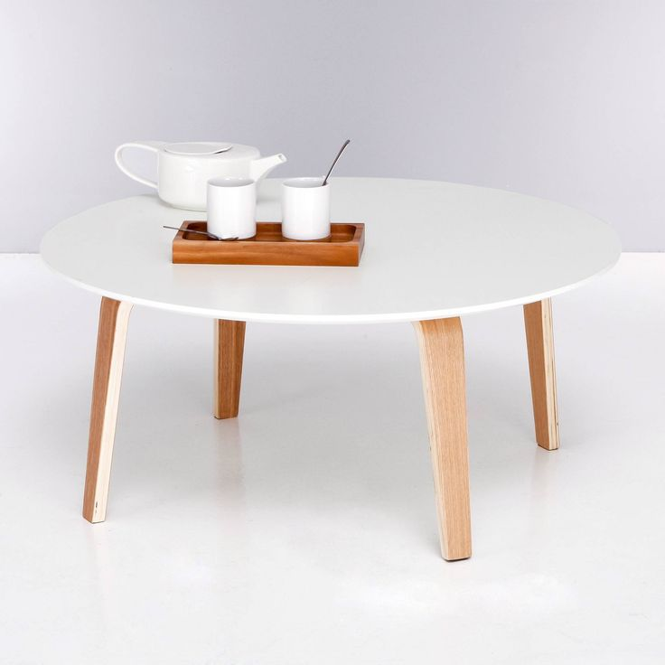 Table basse ronde bi matière plateau blanc pieds naturels - 3 Suisses