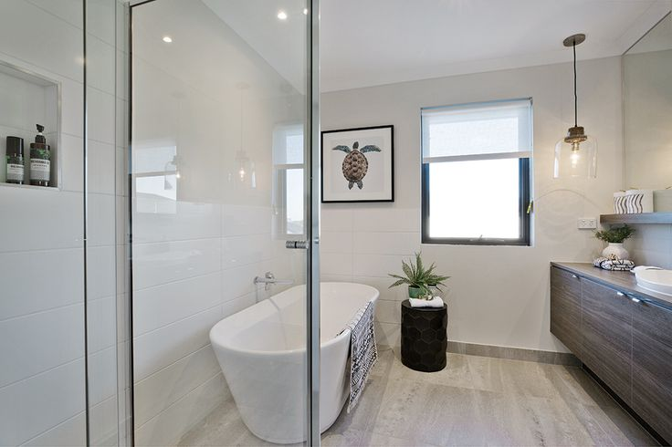 Main bathroom in the Charlton 33 display with a Caribbean World of Style.