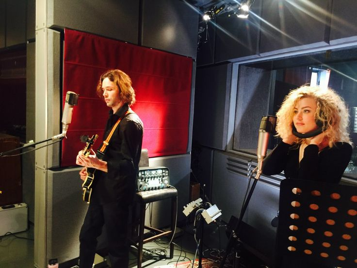 """Вчера мы записали """"Live"""" из 7 песен и вот небольшой фото-отчет: http://vk.com/album-45137868_214925684"""