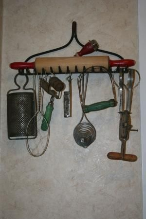 primitive crafts | old kitchen gadgets | Primitive Crafts  Decor by sally.l.stoddard