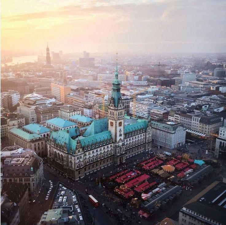 Hamburg - Rathausmarkt im Dezember Verschiedene Fotografien mit Gegenlicht