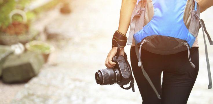 Doof. Niemand hat Zeit, Geld oder Lust, um mit dir in den Urlaub zu fahren. Egal! Pack deinen Koffer und fahr einfach allein!