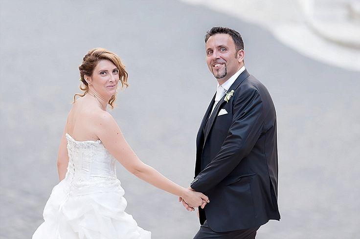 Ritratti spontanei sulla piazza del Campidoglio | Non posed wedding portrait on Campidoglio square, Roma