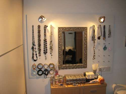 How to make a jewellery board with lighting and room for a lot of jewellery.