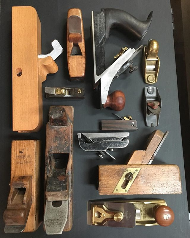 My Friday flatlay consists of unique planes this week. The metal Stanley 72 chamfer plane is one of my favorites. There is a scrub plane from Sweden, a toy makers plane from my grandfather, a nice spill plane from Red Rose Reproductions, a staff plane from Jim White, the LN violin plane and a few other unique and fun planes.
