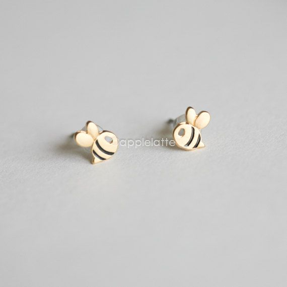 bumble+bee+earrings+cute+honeybee+post+earrings+bee+by+applelatte,+$12.50