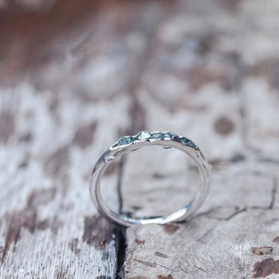 Bague en diamant bleu brut / / Hidden Gems
