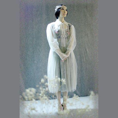 MY COLLECTION Авторская работа Платье из двойного слоя фатина (сероголубого и бежевого цветов). Нижнее платье из кружевного полотна синего цвета. Шейное украшение и ободок из иск. жемчуга. Коллекция 2015 г. #couture #paris #ss15 #lookbook #image #style #fashionweek #pfoto #fashionissue #art #creative #dress #красота #глянец #образ #стиль #фото #творчество #искусствомоды #высокоеискусство #ручная_работа #украшение #embroidery #my_collection # авторская_работа