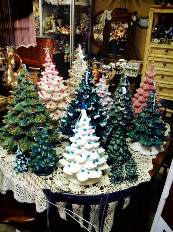 Vintage Ceramic Christmas Tree Atlantic Mold.Ceramic Business Were Booming Holland And Atlantic Mold