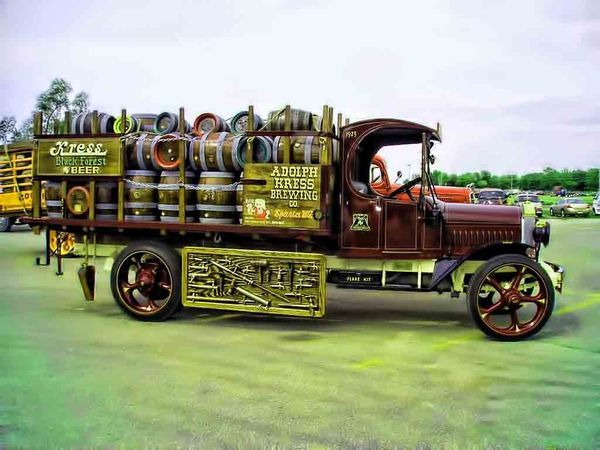 Antique Beer Delivery Truck With Images Beer Truck Vintage