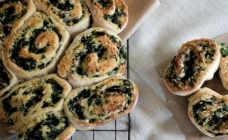 Bacon, Spinach and Feta Scrolls Recipe - Lunch box