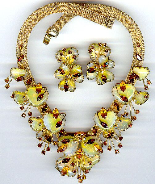 86 best Vintage jewelry images on Pinterest